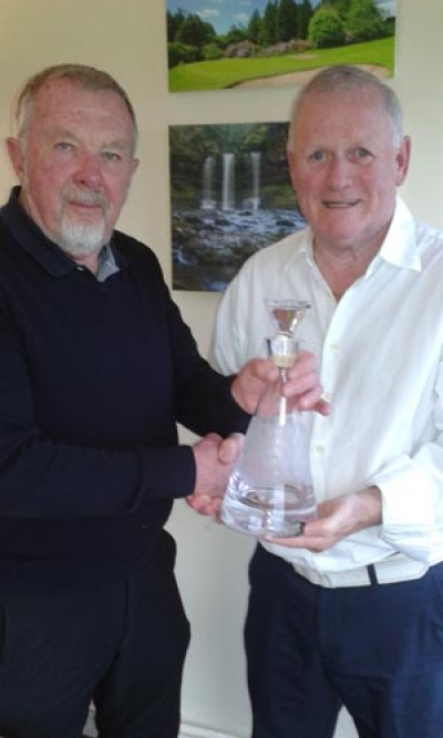 Ian presenting Roy with Glass Decanter for his service to the Section for 2017